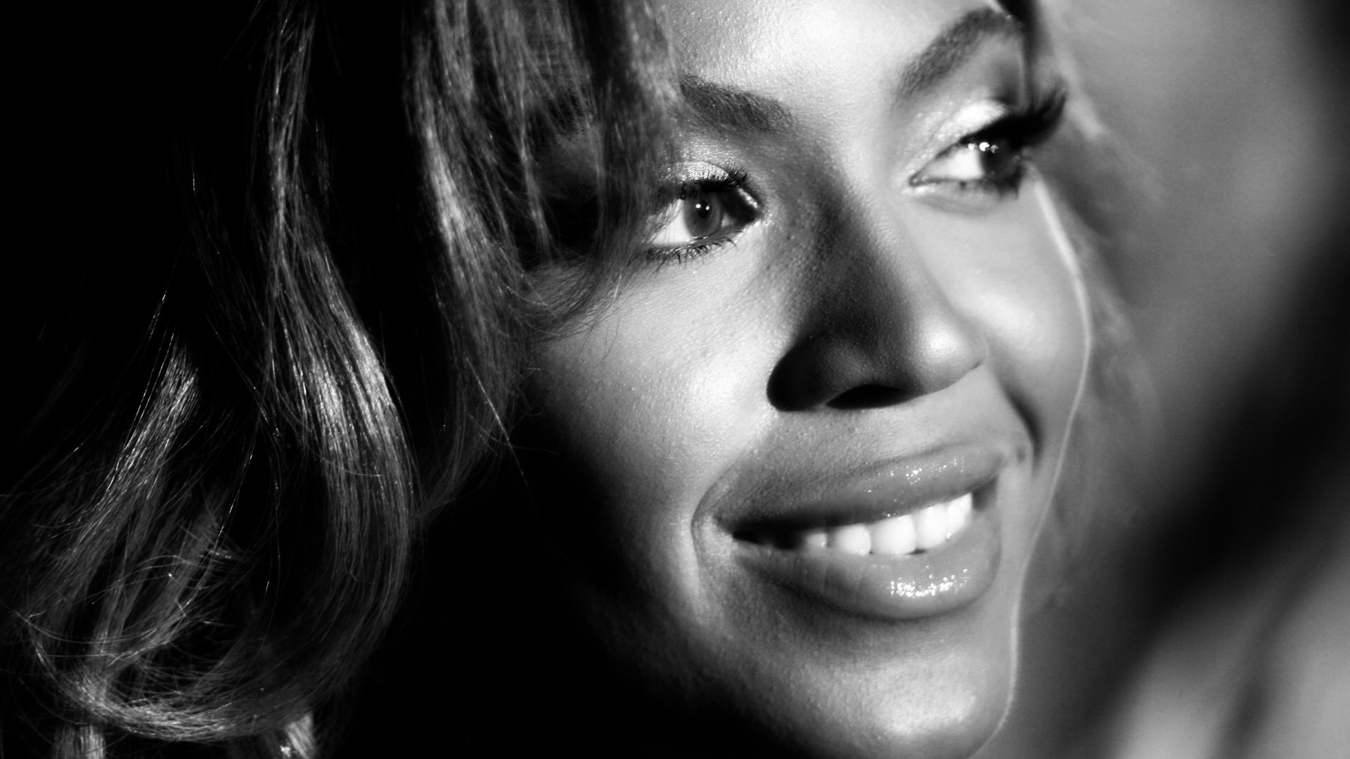Is Beyonce Black Or White Png